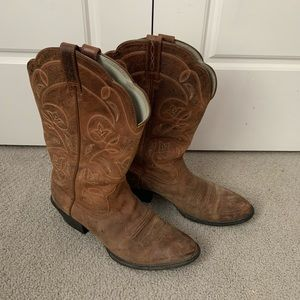 Ariat brown cowboy boots size 7.5